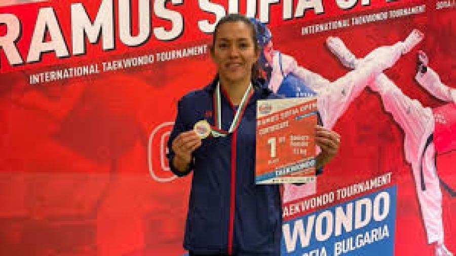 María Espinoza logra el oro en el Abierto de Sofía