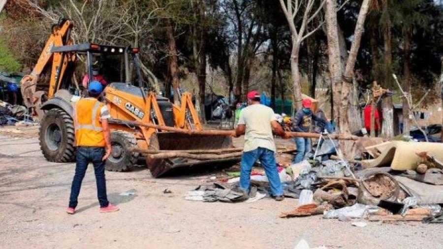 Desmantelan campamento migrante en Matamoros